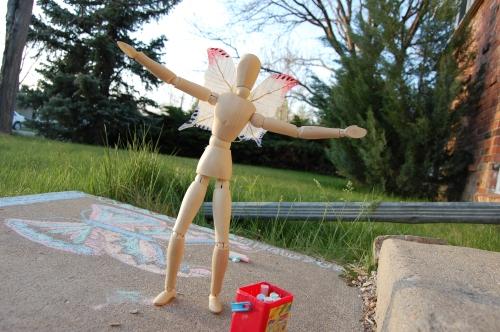 Sidewalk Chalk Emoti-Artist Extraordinaire!